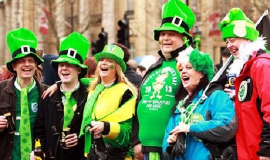 Ngày lễ Thánh Patrick và truyền thuyết bí ẩn về cỏ 3 lá của Ireland