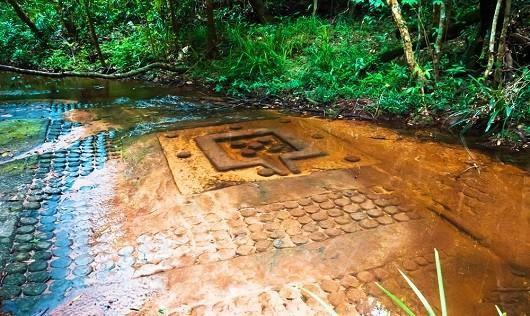 Những kiểu chữ bí ẩn về nền văn minh Angkor được tìm thấy