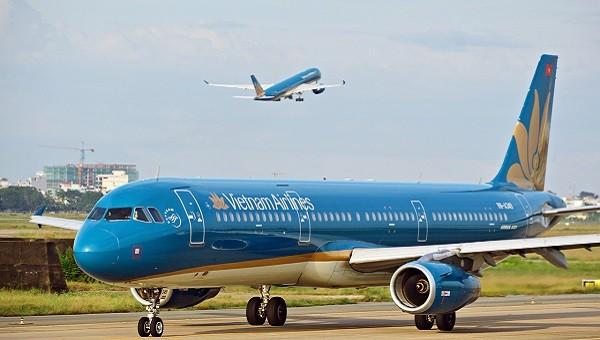 Vietnam Airlines quyết định kỉ luật nam tiếp viên lây lan Covid