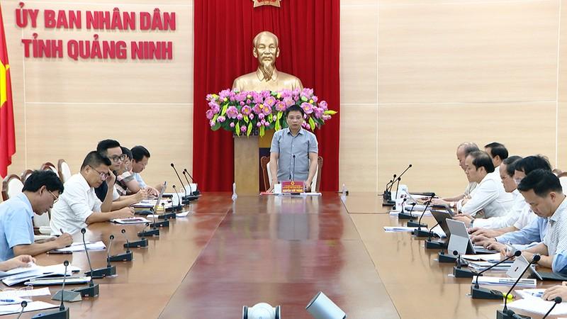 Ông Nguyễn Văn Thắng, Chủ tịch UBND tỉnh Quảng Ninh,  chủ trì buổi làm việc.