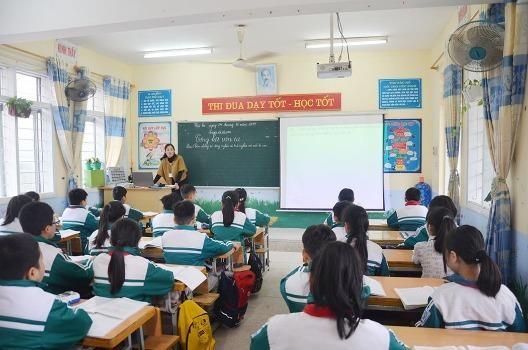 Quảng Ninh chi hơn 22 tỷ đồng mua sắm đồ dùng, thiết bị học tập cho học sinh vùng cao