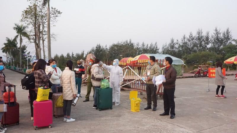 Quảng Ninh: 31 người dân hết hạn cách ly được trở về nơi cư trú