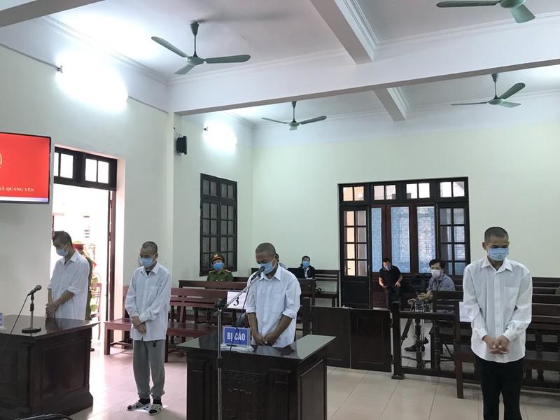 4 đối tượng hành hung cán bộ phòng chống dịch ở Quảng Ninh lĩnh án 30 tháng tù giam