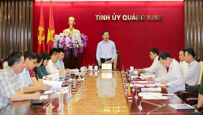 Bí thư Tỉnh ủy Quảng Ninh phát biểu tại cuộc họp