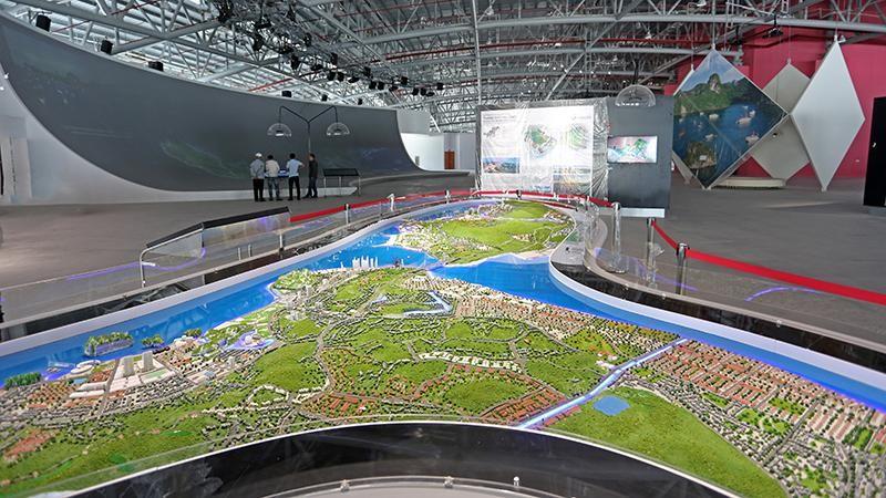 Sa hình trưng bày một số quy hoạch, kiến trúc, xây dựng đô thị, khu kinh tế Quảng Ninh.