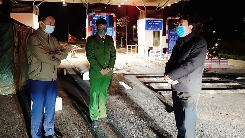 Một chốt kiểm soát dịch Covid-19 tại cửa ngõ vào huyện Vân Đồn, Quảng Ninh. Ảnh: Đỗ Phương