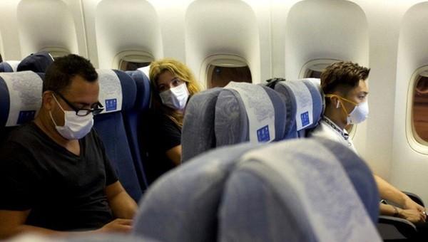 Công bố thông tin hàng chục hành khách trên 2 chuyến bay Hà Nội-TP HCM liên quan đến bệnh nhân 1883