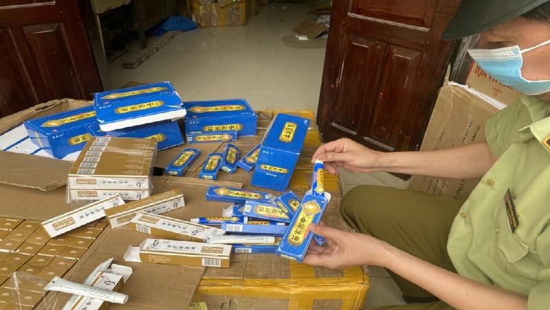 Tiếp tục thu giữ lượng lớn thuốc chữa bệnh nhập lậu