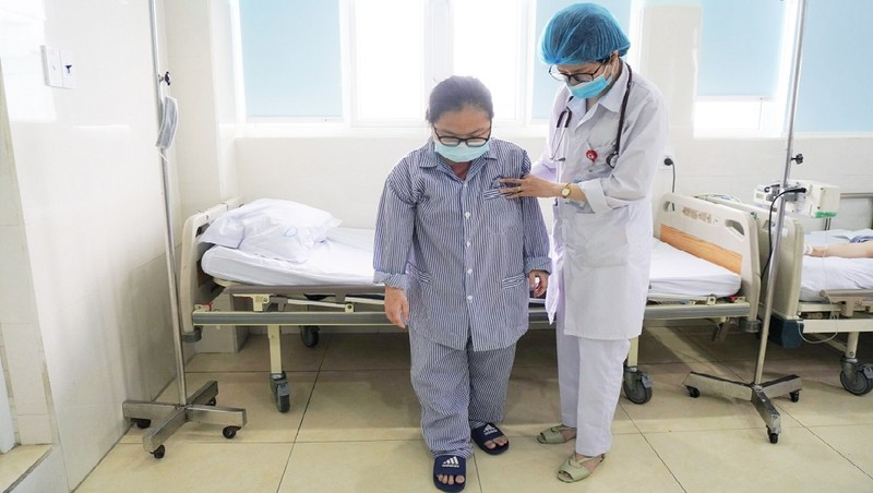 Nữ sinh 17 tuổi bị đột quỵ