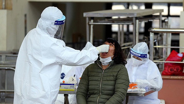Truy vết 13 trường hợp F1 của bệnh nhân Trung Quốc, Lào Cai phát thông báo khẩn