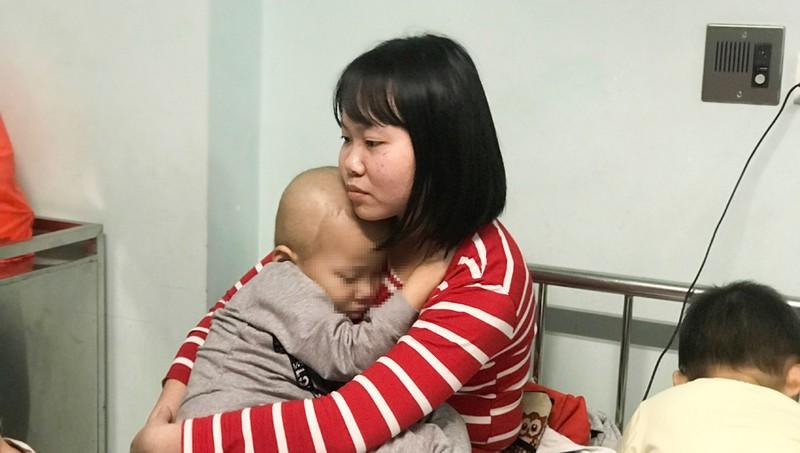 Nghẹn lòng những đứa trẻ đón Tết trong bệnh viện