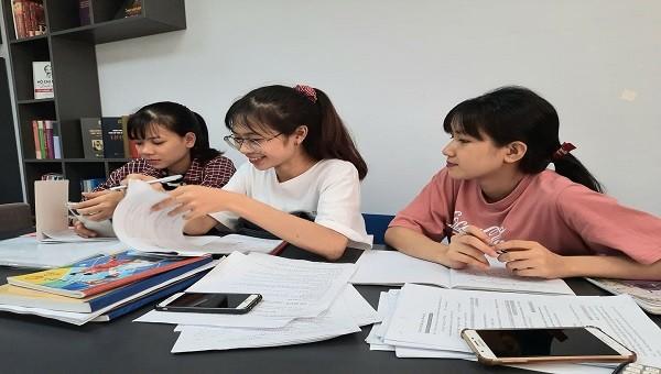 Sinh viên thất nghiệp cố trụ lại Hà Nội, 'bóp mồm bóp miệng' chờ qua dịch Covid-19