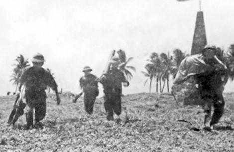 Lực lượng đặc công giải phóng đảo Song Tử Tây (ảnh tư liệu).