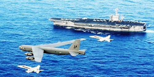 """Mỹ điều """"pháo đài bay"""" B-52 răn đe về biển Đông"""