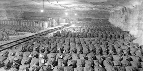 Vàng của Đức quốc xã giấu trong hầm muối ở Merkers, Đức - Ảnh: National Archives and Records Administration