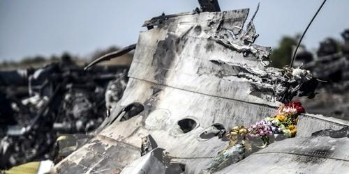 Xác máy bay MH17 gần làng Grabove, vùng Donetsk, miền Đông Ukraine ngày 26/7/2014. (Nguồn: AFP/TTXVN)