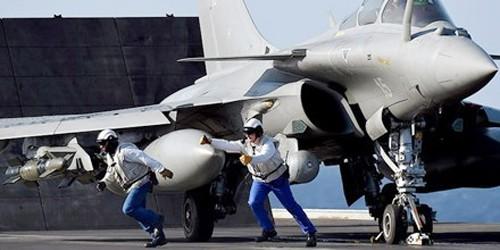 Nước Pháp trả lời IS: Tàu sân bay hạt nhân tham chiến