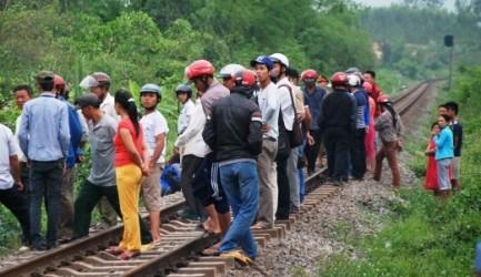 Quảng Bình: Tàu hỏa tông chết một cụ bà