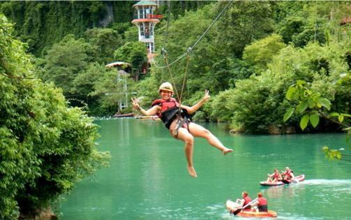 Hang động Phong Nha - Kẻ Bàng là nơi trải nghiệm hấp dẫn thứ 2 của Việt Nam