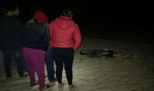 Quảng Bình: Phát hiện thi thể nam giới trôi dạt vào bờ biển