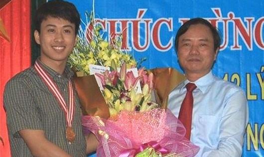 Kỷ luật khiển trách Giám đốc Sở GD&ĐT Quảng Bình