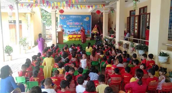 Trường Mầm non xã Liên Trạch, huyện Bố Trạch (Quảng Bình) tổ chức lễ khai giảng sau những ngày mưa lũ đã qua.