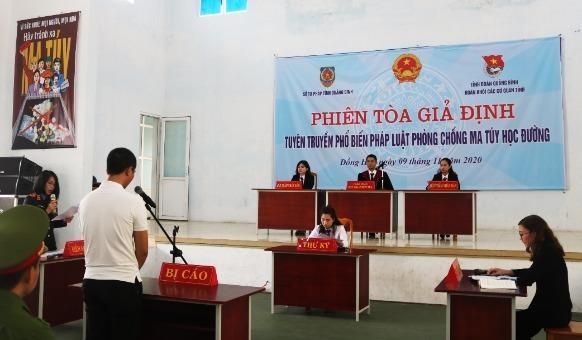 Phiên tòa giải định được tổ chức tại Trường THPT Dân tộc nội trú tỉnh Quảng Bình.