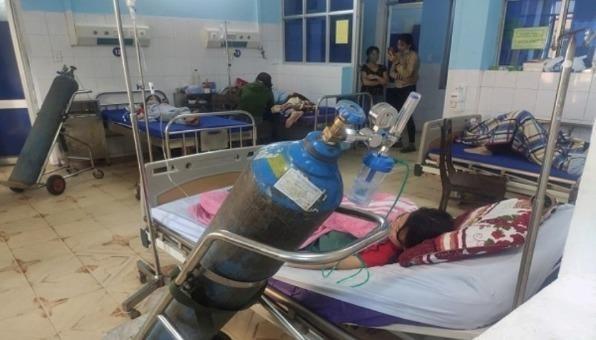 Cả 3 học sinh hiện được điiều trị tại bệnh viện.