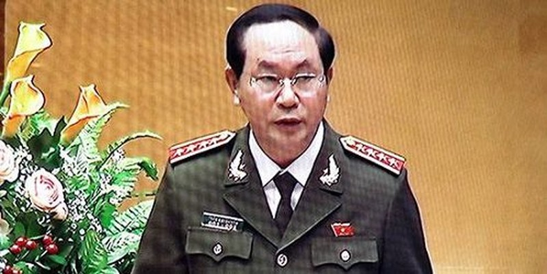 Bộ trưởng Trần Đại Quang trình bày Báo cáo vềcủa Chính phủ về công tác phòng, chống tội phạm năm 2015 trước QH