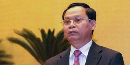 Tổng Thanh tra Chính phủ Huỳnh Phong Tranh trình bày báo cáo của Chính phủ về công tác phòng, chống tham nhũng năm 2015