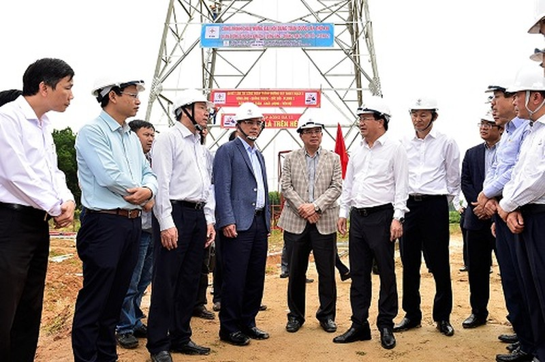 Chú trọng giải phóng mặt bằng cho đường dây 500 kV mạch 3