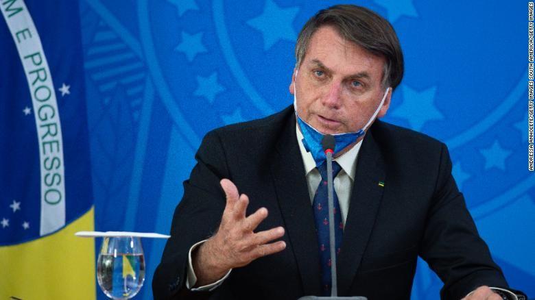 Tổng thống Bzazil bị điều tra sau khi sa thải Bộ trưởng Y tế