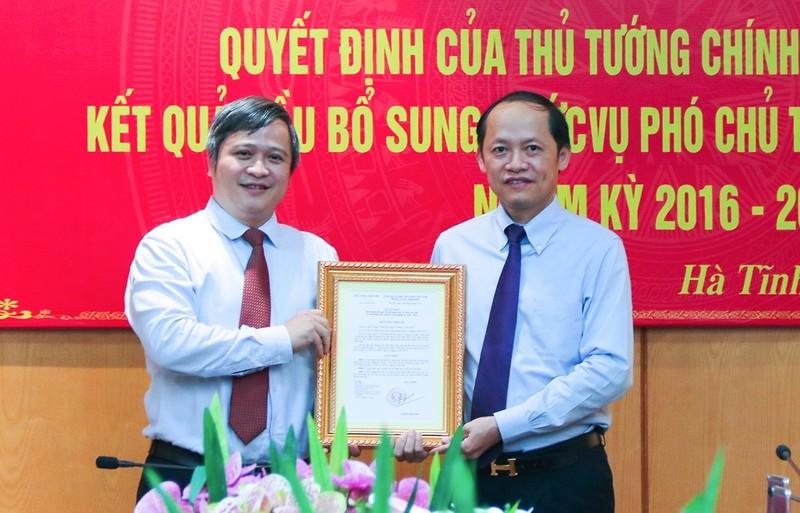 Phê chuẩn kết quả bầu chức vụ Phó Chủ tịch UBND tỉnh Hà Tĩnh