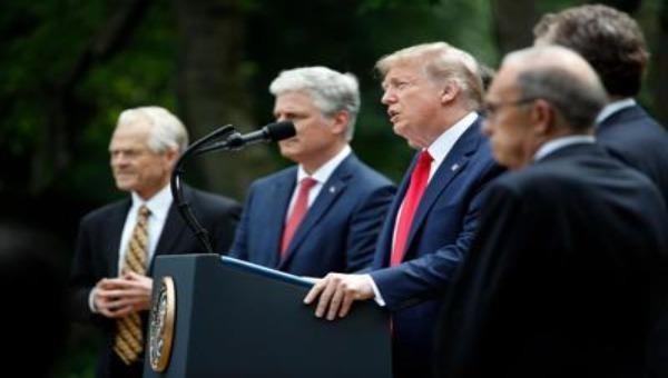 """""""Hoa Kỳ chấm dứt quan hệ với WHO"""" gây tổn hại và nguy hiểm trong dịch COVID-19 toàn cầu"""