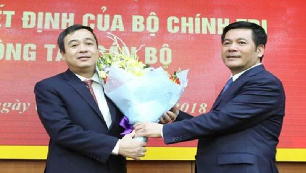 Ông Ngô Đông Hải (bên trái) làm Bí thư Thái Bình. Ảnh: Cổng thông tin điện tử Thái Bình
