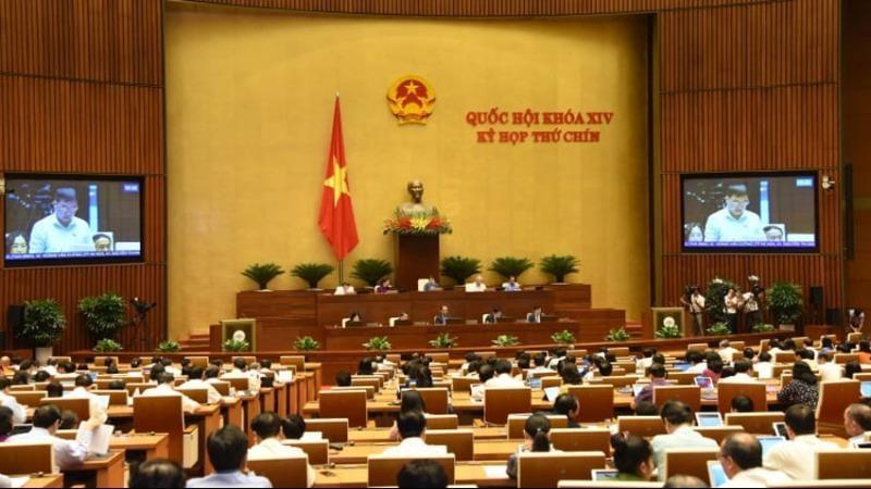 Quốc hội thảo luận về phát triển kinh tế xã hội.