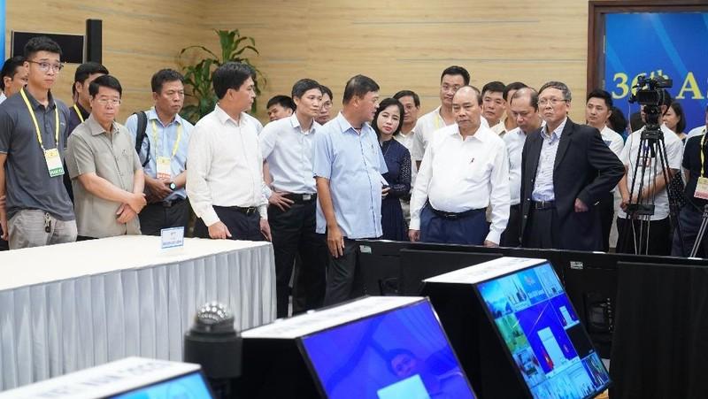 Thủ tướng Nguyễn Xuân Phúc kiểm tra công tác chuẩn bị cho Hội nghị Cấp cao ASEAN lần thứ 36