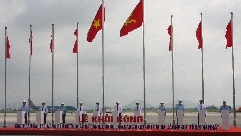 Khởi công Dự án cải tạo nâng cấp đường cất hạ cánh, đường lăn sân bay quốc tế Nội Bài và Tân Sơn Nhất