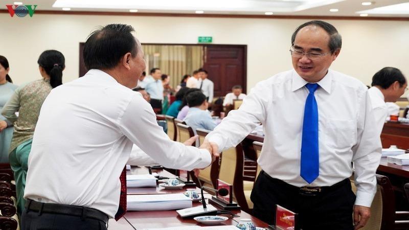 Bí thư Nguyễn Thiện Nhân và các đại biểu trước khi diễn ra Hội nghị. Ảnh: VOV