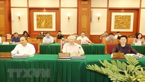 Tổng Bí thư, Chủ tịch nước Nguyễn Phú Trọng, Bí thư Quân ủy Trung ương chủ trì buổi làm việc với Ban Thường vụ Quân ủy Trung ương. (Ảnh: Trí Dũng/TTXVN)