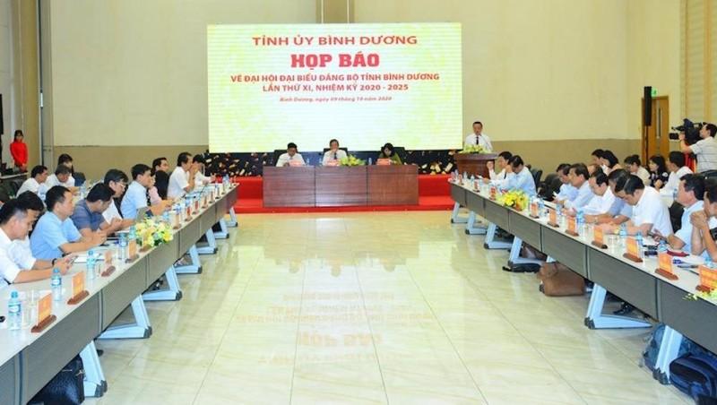 Tỉnh uỷ Bình Dương họp báo thông tin về Đại hội Đại biểu Đảng bộ tỉnh lần thứ XI. Ảnh: VOV