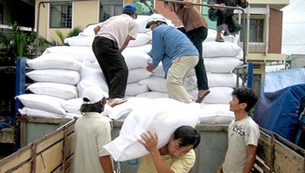 4 tỉnh nhận được gạo hỗ trợ cứu đói do mưa lũ. Ảnh minh hoạ: VTV