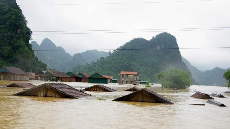 Lũ rút nhưng Hà Tĩnh, Quảng Bình vẫn có nguy cơ cao xảy ra sạt lở đất ở vùng núi