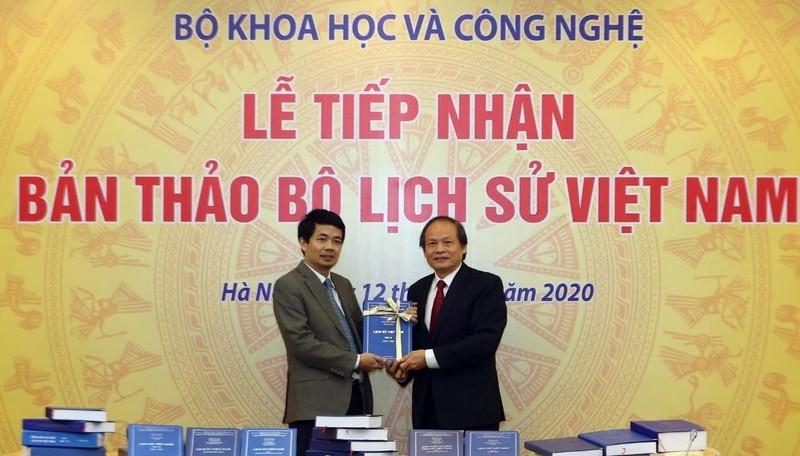 Tiếp nhận bản thảo Đề án Quốc sử Việt Nam