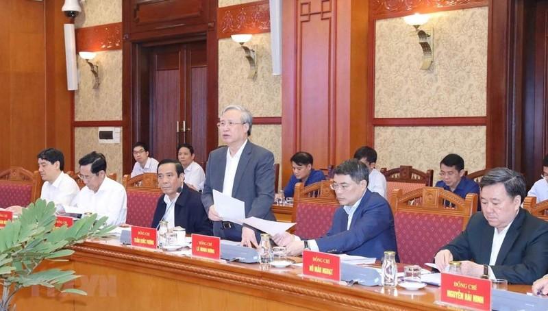 Đồng chí Trần Quốc Vượng, Ủy viên Bộ Chính trị, Thường trực Ban Bí thư chủ trì phiên họp. (Ảnh: Phương Hoa/TTXVN)