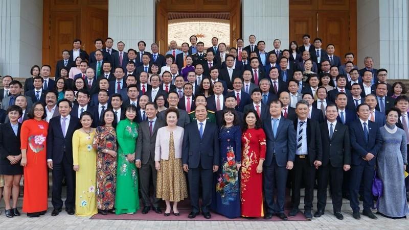 Thủ tướng Nguyễn Xuân Phúc gặp mặt 124 doanh nghiệp có sản phẩm đạt THQG Việt Nam 2020. Ảnh: VGP/Quang Hiếu