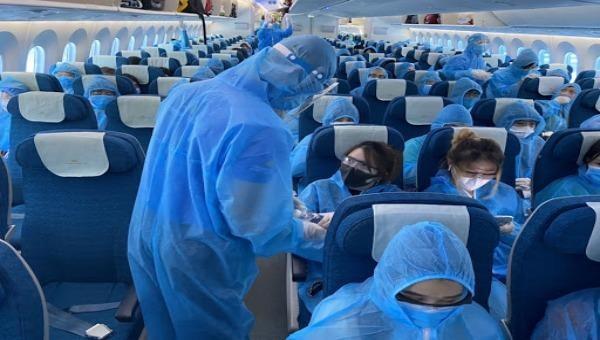 Tạm dừng các chuyến bay thương mại đưa công dân về nước do  diễn biến mới của dịch Covid-19 ở Việt Nam. Ảnh minh hoạ