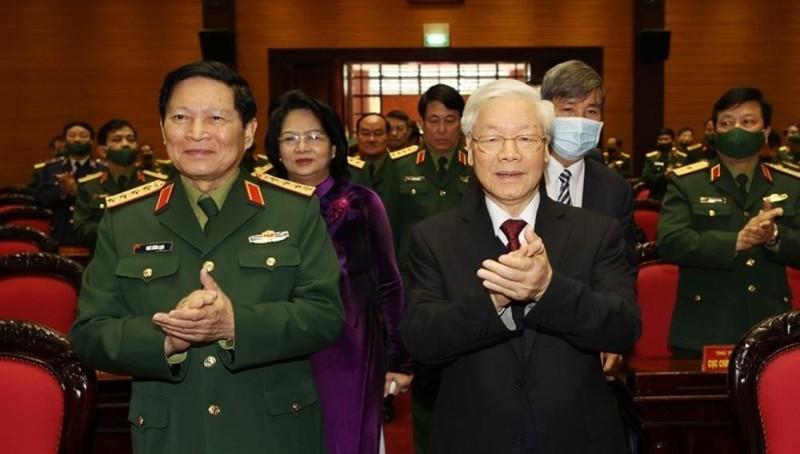 Tổng Bí thư, Chủ tịch nước: Lực lượng quân đội và công an kiên quyết không để cho suy thoái hư hỏng