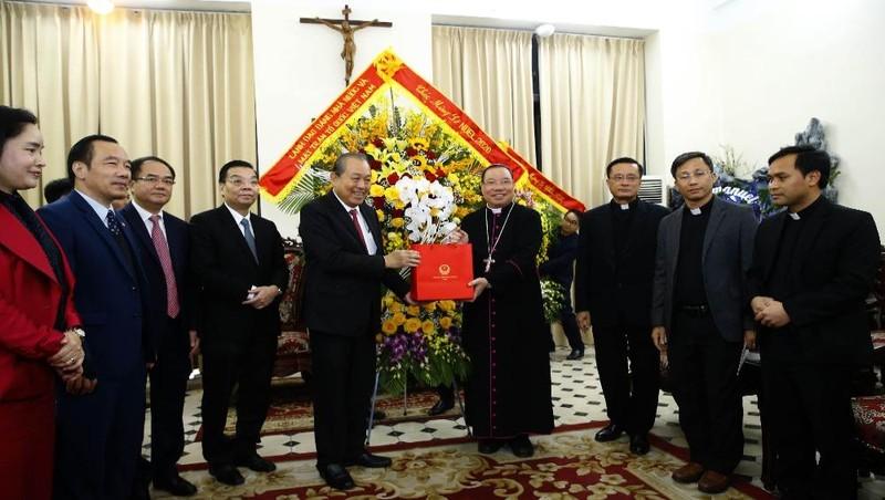 Phó Thủ tướng Thường trực chúc mừng Giáng sinh đồng bào giáo dân Thủ đô