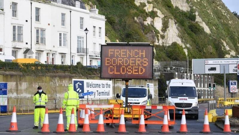 Pháp đã đóng cửa biên giới với Anh từ 22/12 do lo ngại sự lây nhiễm biến thể mới của virus corona. Ảnh: newsnationnow